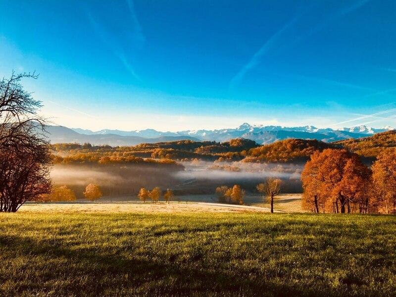 Vue du Gite de la Caviille en automne